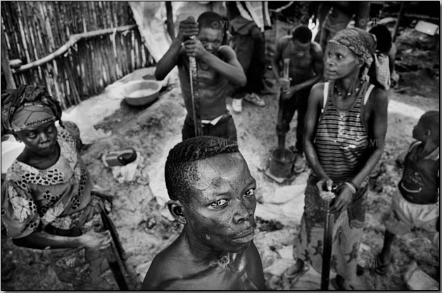 how has coltan exploitation affected the people of eastern congo How british corporations are fuelling war in the congo [1 the charity raise hope for congo reports that 45,000 people die each month [in eastern congo] trinitech international inc coltan trading and exploitation usa.